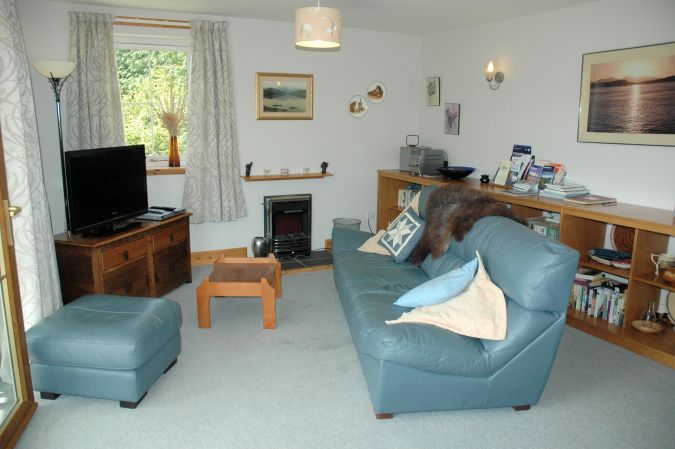 Tigh Charrann Holiday Apartment is comfortable and well equipped.