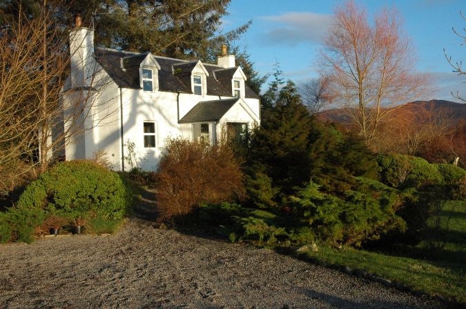 Gardener's Cottage is a traditional detached Highland cottage situated in a very quiet rural location well away from the main road.